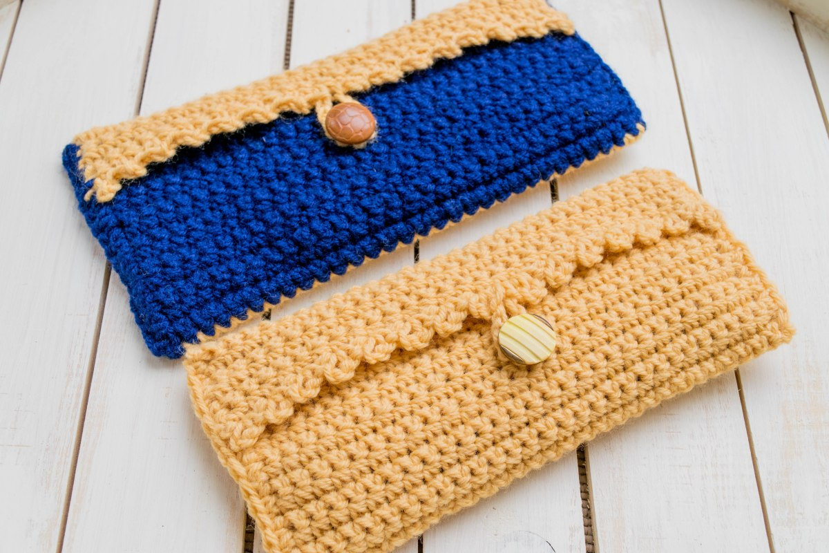 One Hour Crochet Clutch